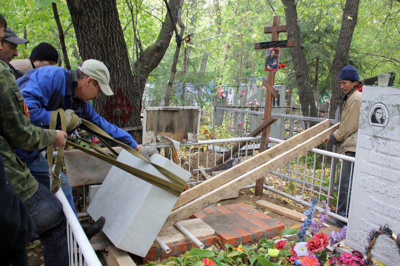 Когда ставить надгробие памятник из гранита Беговая