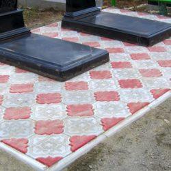 Укладка плитки на кладбище