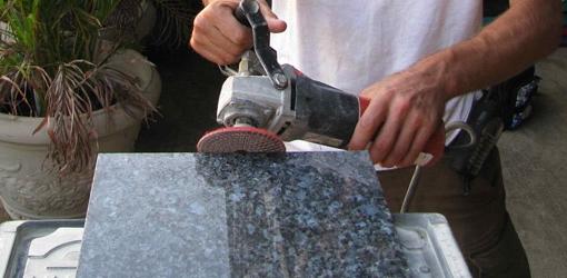 Как производятся памятники из различных материалов