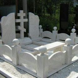 Надгробия из мрамора – память о близких